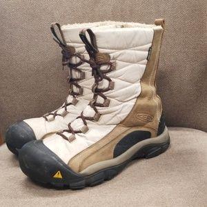 Keen women's Waterproof winter snow boots size 8